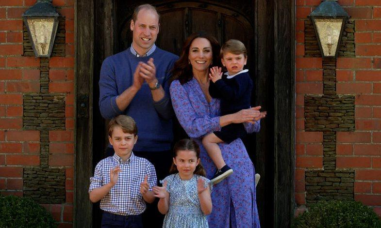 Fotot krahasuese: Princesha Charlotte, tani 6 vjeç, është kopje