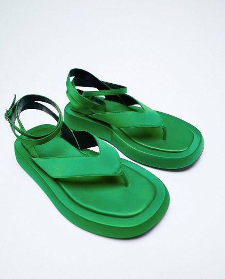 Gjithë llojet e sandaleve/shapkave që do t'ju duhen për