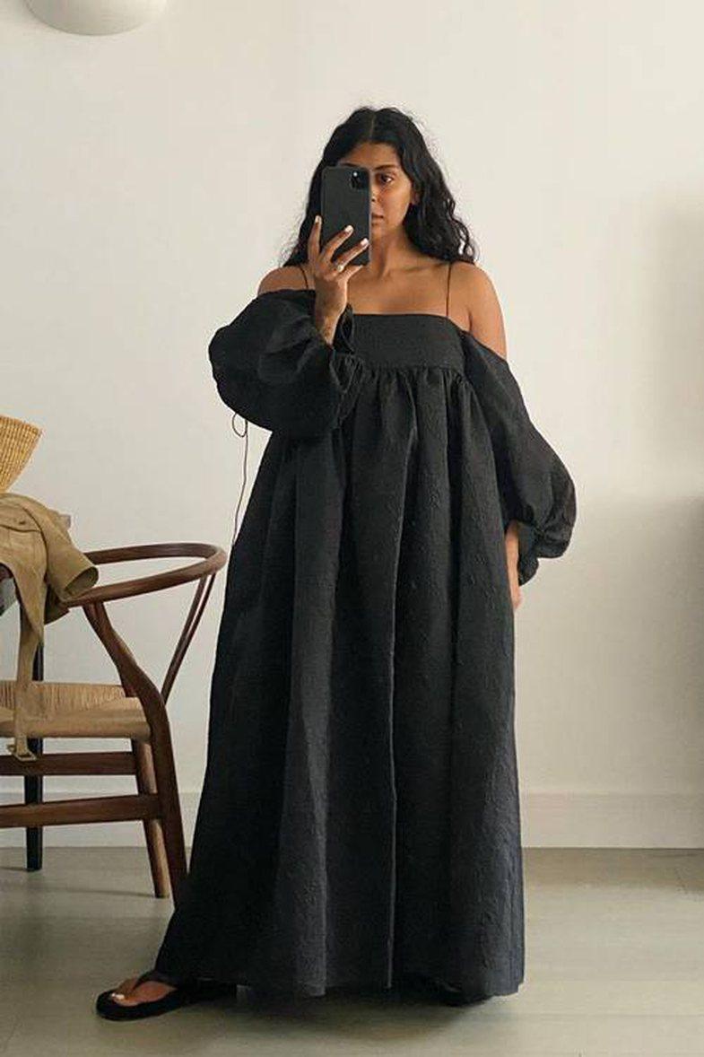 Një mori me fustane të zinj që s'do t'u rezistoni dot