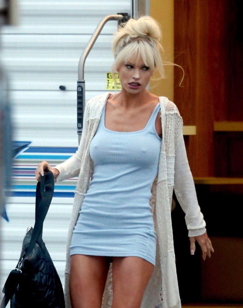 Duhet të shihni si duket aktorja pas shndërrimit në 'Pamela
