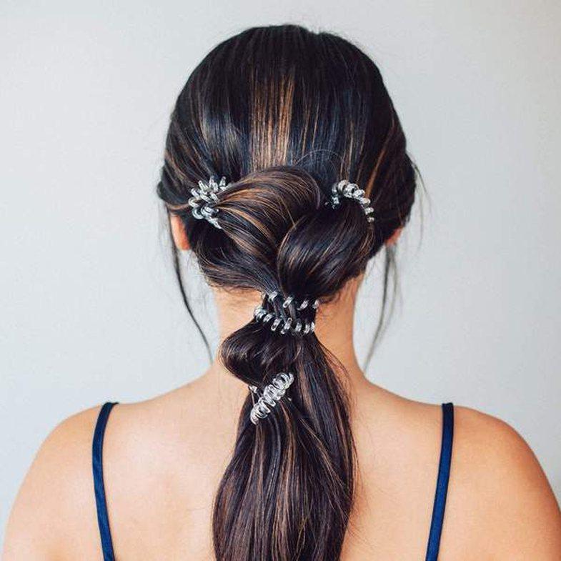 Pse duhet të përdorni lidhëset spirale për flokët dhe
