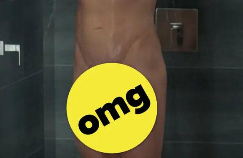 I gjithë interneti është fiksuar me skenën e dushit në
