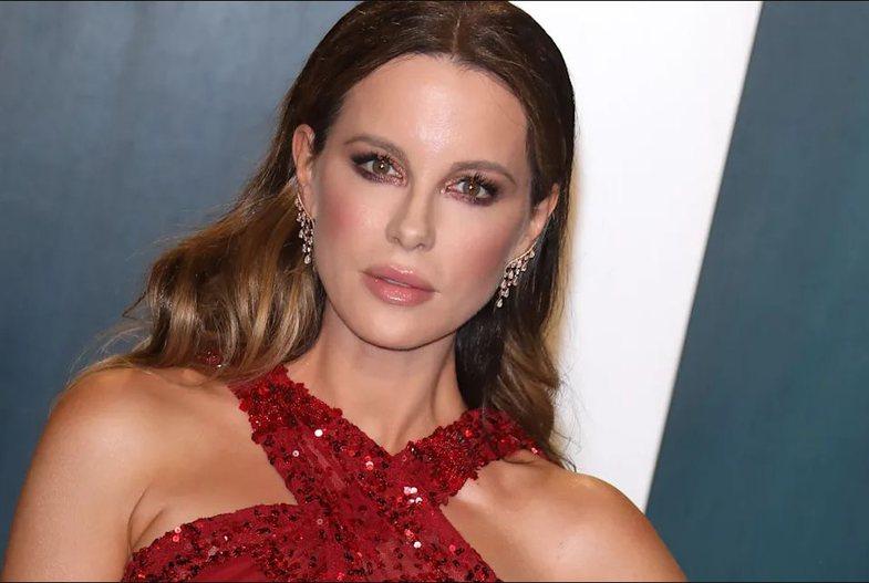 Kate Beckinsale, 47 vjeç, e urren faktin që askush s'e beson se