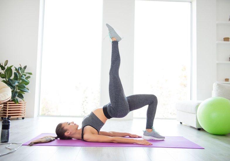 12 programe me ushtrime për muskujt e këmbëve që mund