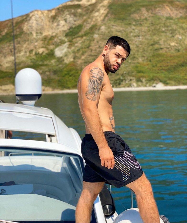 Quiz: Sa mirë e njeh showbiz-in shqiptar, vetëm nga tatuazhet?