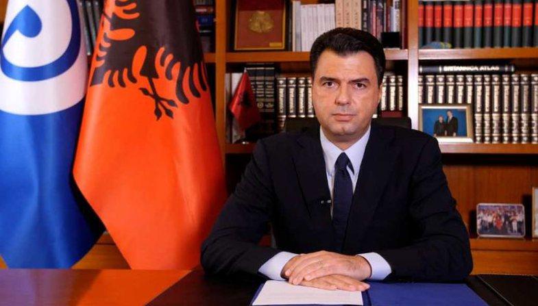 Basha njofton përjashtimin e Sali Berishës nga grupi parlamentar i