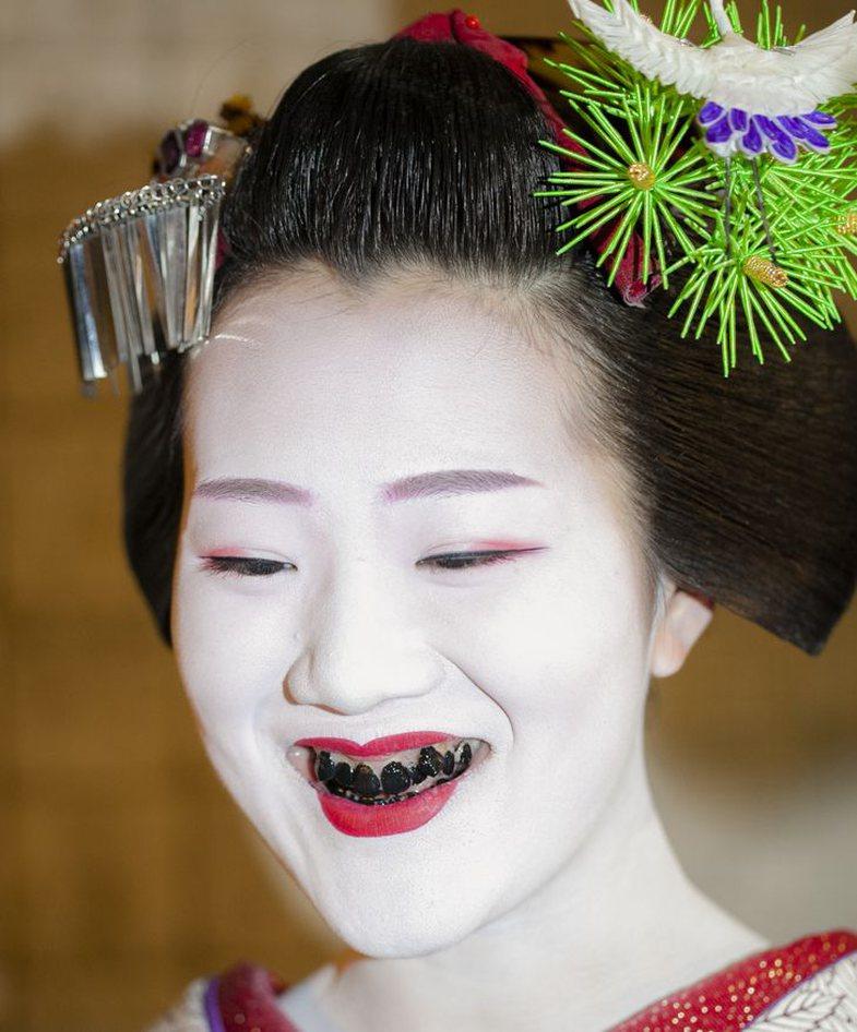 8 standarde ~të pazakonta~ bukurie në vende të ndryshme aziatike!