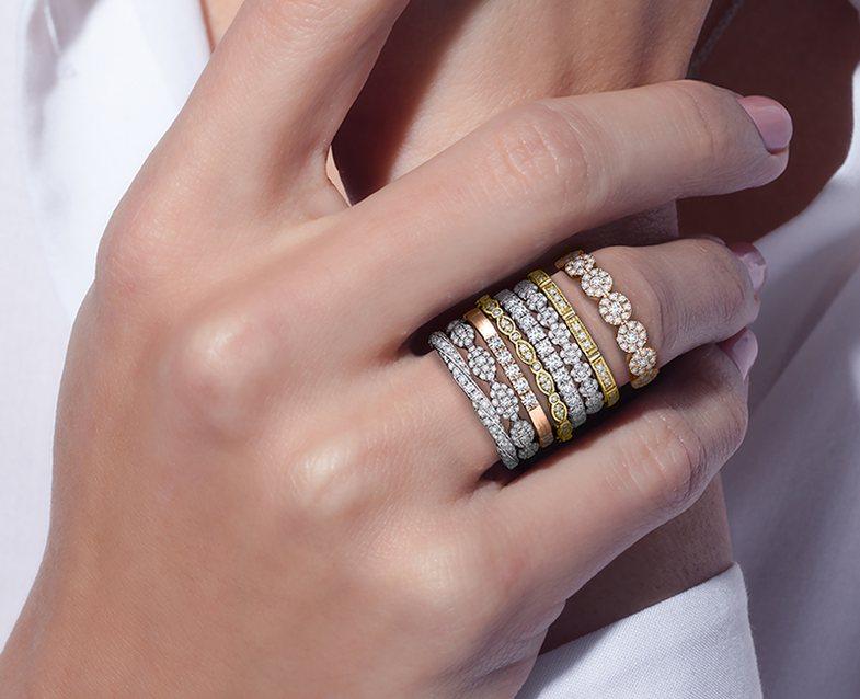 Pse papritmas unazat që kemi mbajtur gjithnjë, na rrinë