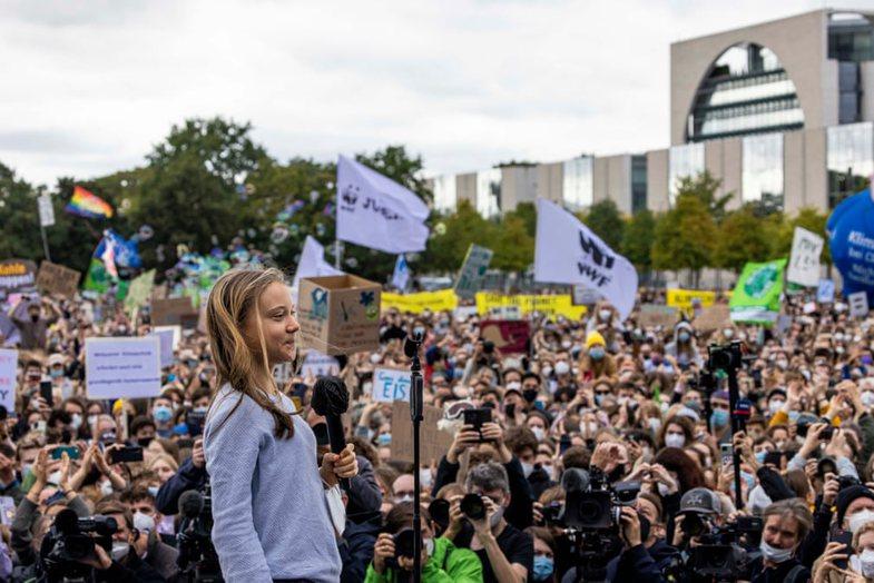 Kriza e klimës: Qindra e mijëra njerëz protestojnë në