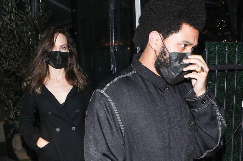 'Romanca' Angelina Jolie-The Weeknd: Ose dyshja po e fsheh mirë,