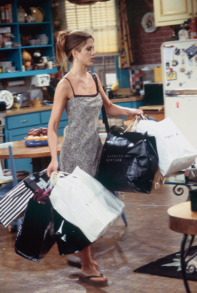 10+ veshje ikonike të 'Rachel Green', që mund t'i