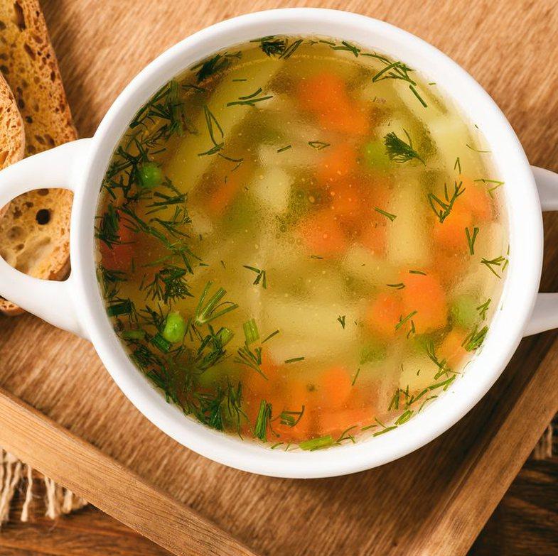 10 ushqime që ~duhet~ t'i hani kur keni dhimbje fyti!
