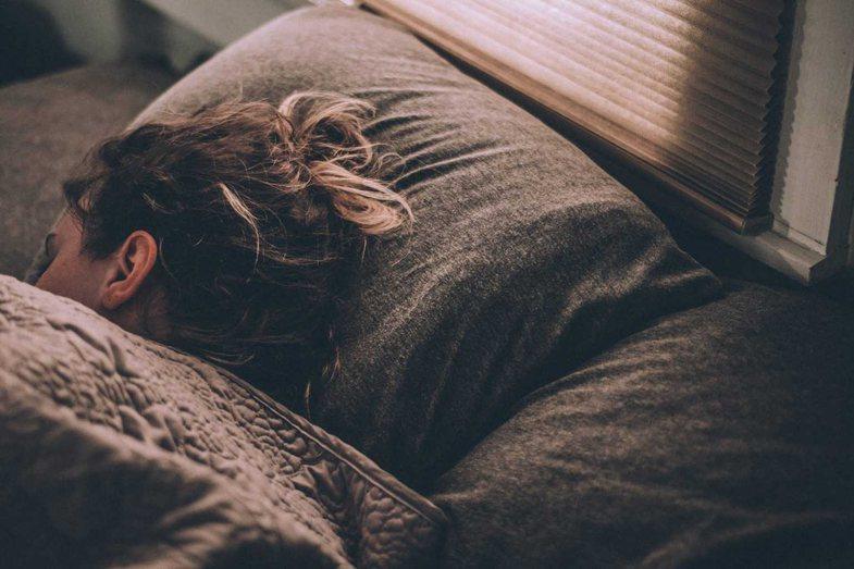 Seksi me një person që fle ose anasjelltas: Psikologjia e